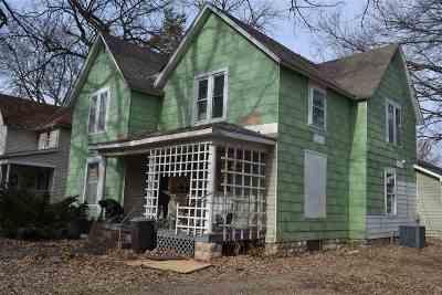 Manhattan Multi Family Home For Sale: 810 Fremont Street
