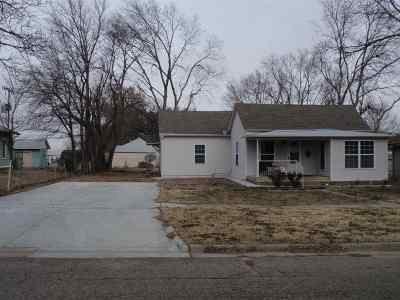 Junction City Single Family Home For Sale: 120 E 15th Street