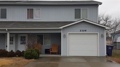 Manhattan Single Family Home For Sale: 2309 Vineyard Cir