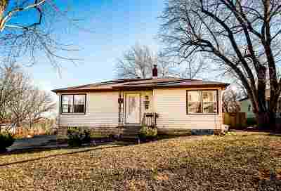 Junction City Single Family Home For Sale: 103 S Garfield Street