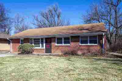 Manhattan Single Family Home For Sale: 1528 Pipher