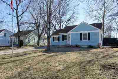 Single Family Home For Sale: 431 W Pine