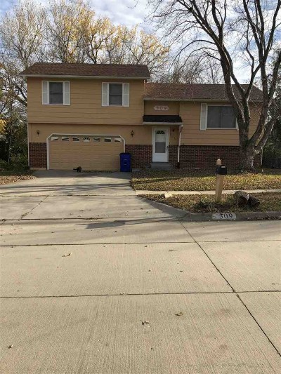 Junction City Single Family Home For Sale: 309 Robin Hood Drive