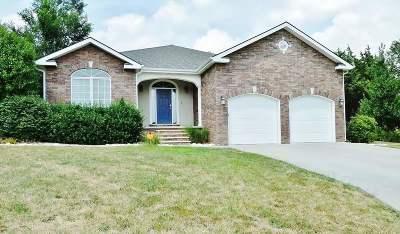 Manhattan Single Family Home For Sale: 2804 Bridgewood Court
