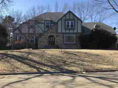 Single Family Home For Sale: 208 Arapahoe Court
