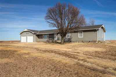 Herington Single Family Home For Sale: 2495 Highway 4