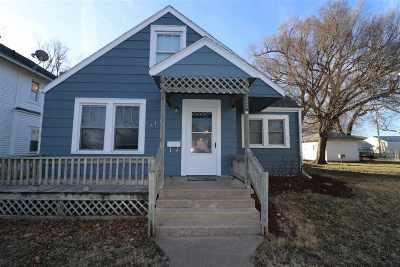 Herington Single Family Home For Sale: 115 S B Street