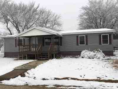 Wabaunsee County Single Family Home For Sale: 215 Elm Street