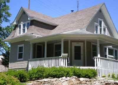 Manhattan Single Family Home For Sale: 1648 Leavenworth Street