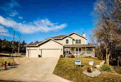 Single Family Home For Sale: 1326 Goldenrod Circle