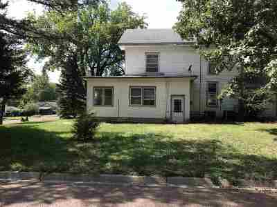Wabaunsee County Single Family Home For Sale: 221 E 3rd St