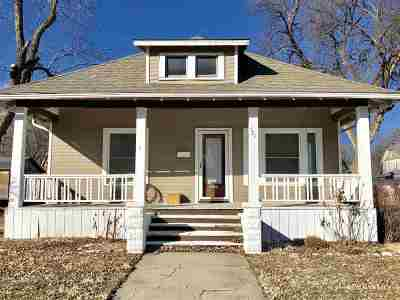 Clay Center Single Family Home For Sale: 521 Huntress
