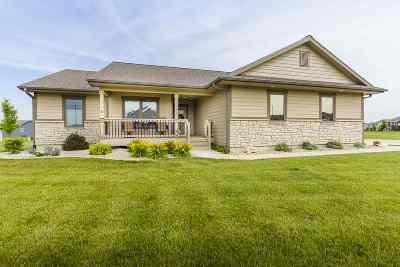 Manhattan Single Family Home For Sale: 9978 Lavender Lane
