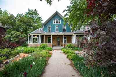 Single Family Home For Sale: 617 Houston Street