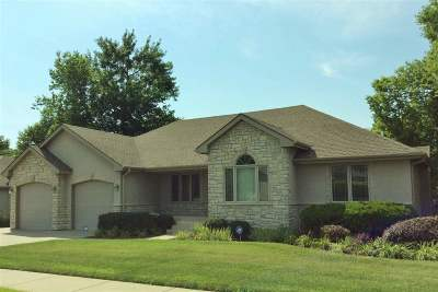 Manhattan Single Family Home For Sale: 2205 Hillview Drive