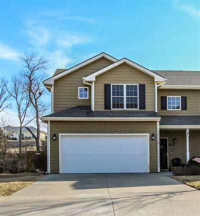 Manhattan Single Family Home For Sale: 602 Highland Ridge Drive