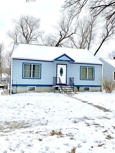 Manhattan Single Family Home For Sale: 819 Ratone Street