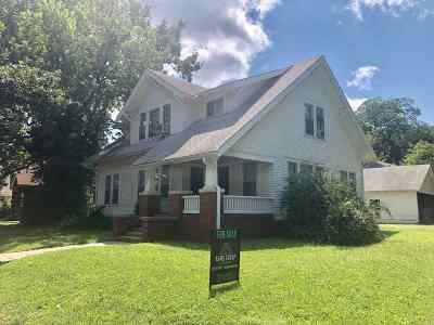 Manhattan Single Family Home For Sale: 121 N 17th Street