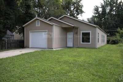 Junction City Single Family Home For Sale: 615 W 1st Street