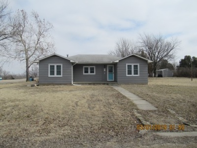 Herington KS Single Family Home For Sale: $69,900
