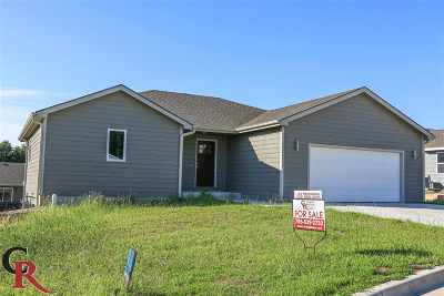 St. George KS Single Family Home For Sale: $239,000
