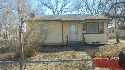 Single Family Home For Sale: 823 W 9th Street