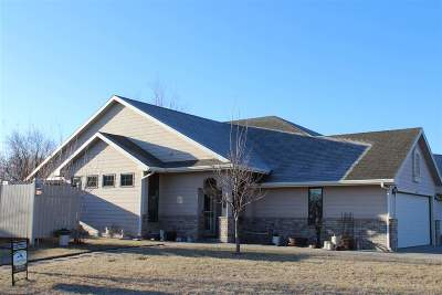 Abilene KS Single Family Home For Sale: $135,000