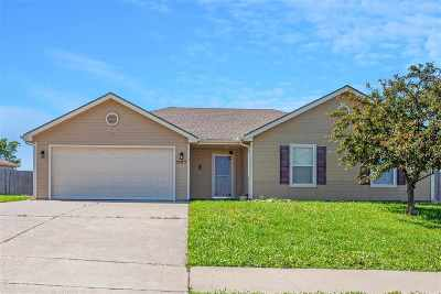 Junction City Single Family Home For Sale: 1905 Thompson Drive