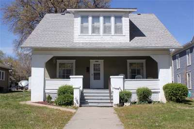 Clay Center Single Family Home For Sale: 525 Huntress