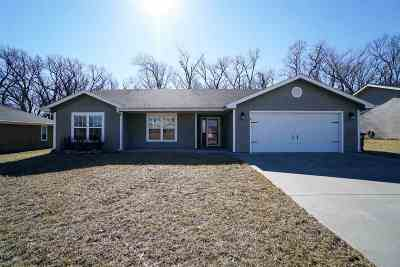 Riley County Single Family Home For Sale: 317 Stone Drive