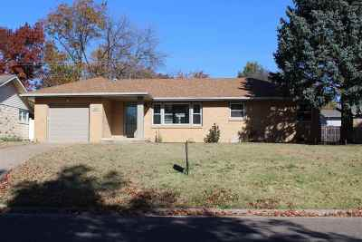 Abilene KS Single Family Home For Sale: $128,500