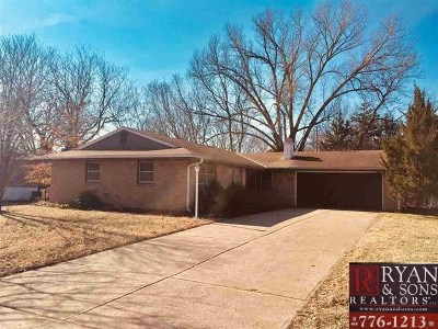 Riley County Single Family Home For Sale: 1828 Vaughn