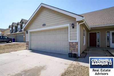 Single Family Home For Sale: 2226 Brook Bend