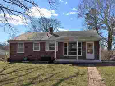 Riley County Single Family Home For Sale: 417 Westview Drive