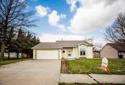 Single Family Home For Sale: 1218 Caroline Avenue
