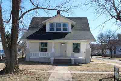 Dickinson County Single Family Home For Sale: 400 NE 7th Street