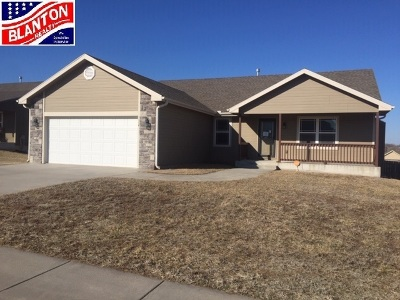 Single Family Home For Sale: 1114 Hickory Lane