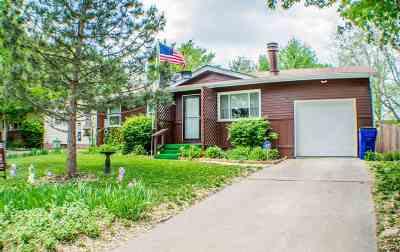 Single Family Home For Sale: 1052 Cedar Street