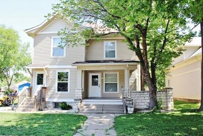 Riley County Multi Family Home For Sale: 818 Bluemont Street