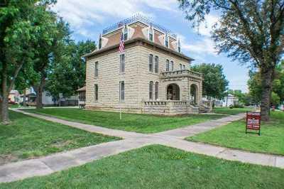 Junction City Single Family Home For Sale: 106 N Jackson