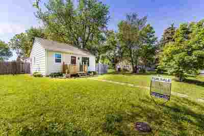 Riley Single Family Home For Sale: 111 S Iowa Street