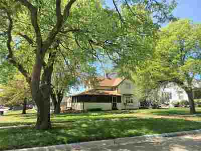 Clay Center Single Family Home For Sale: 1703 7th Street