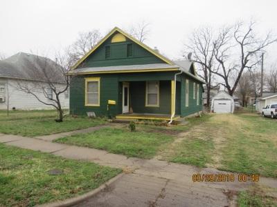 Herington Single Family Home For Sale: 715 N C Street