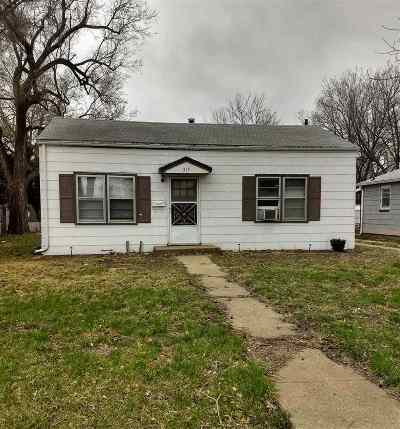 Riley County Single Family Home For Sale: 315 Thurston Street
