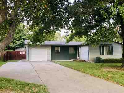 Clay Center Single Family Home For Sale: 1204 Roe