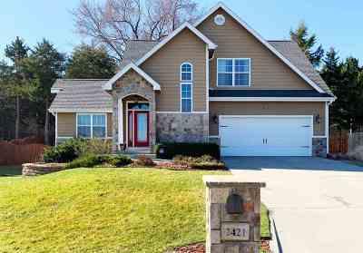 Manhattan Single Family Home For Sale: 2421 Sumac Drive