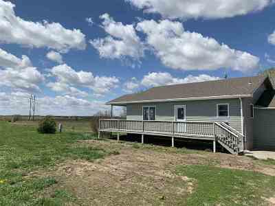 Wamego KS Single Family Home For Sale: $249,900