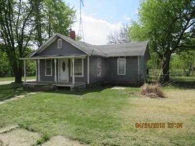 White City Single Family Home For Sale: 123 E Stockholm Street