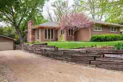 Manhattan Single Family Home For Sale: 204 Carlisle Ter