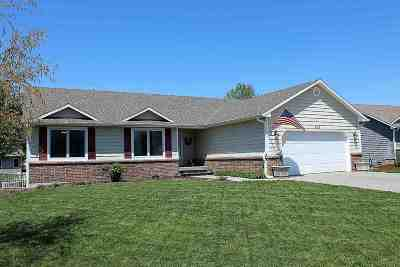 Manhattan KS Single Family Home For Sale: $269,900